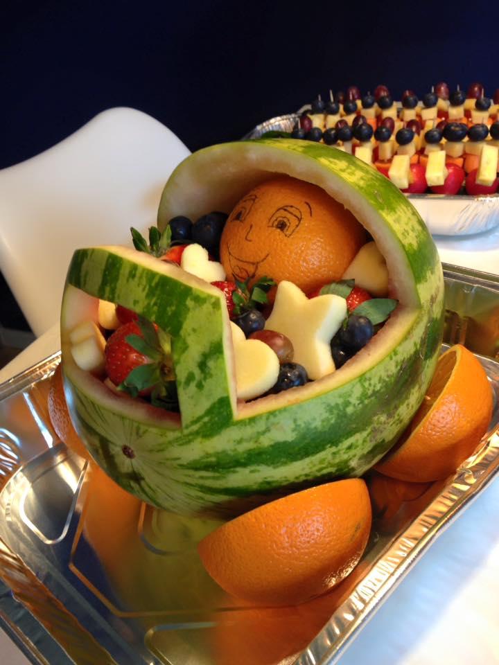 Frugtkreationer Frugtbarnevogn Babyshower